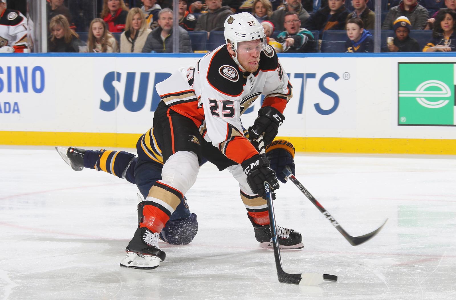Anaheim Ducks should have gotten more for Ondrej Kase