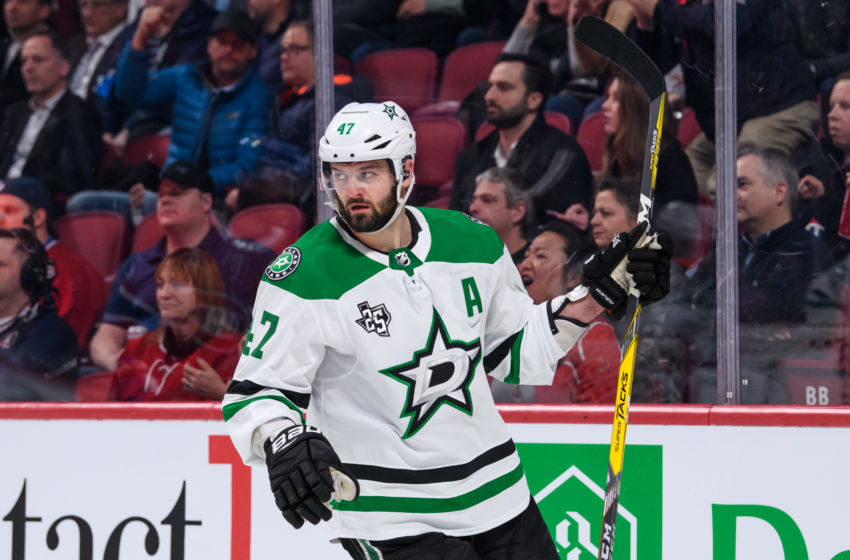 Alexander Radulov borrows Dallas Stars jersey from fan