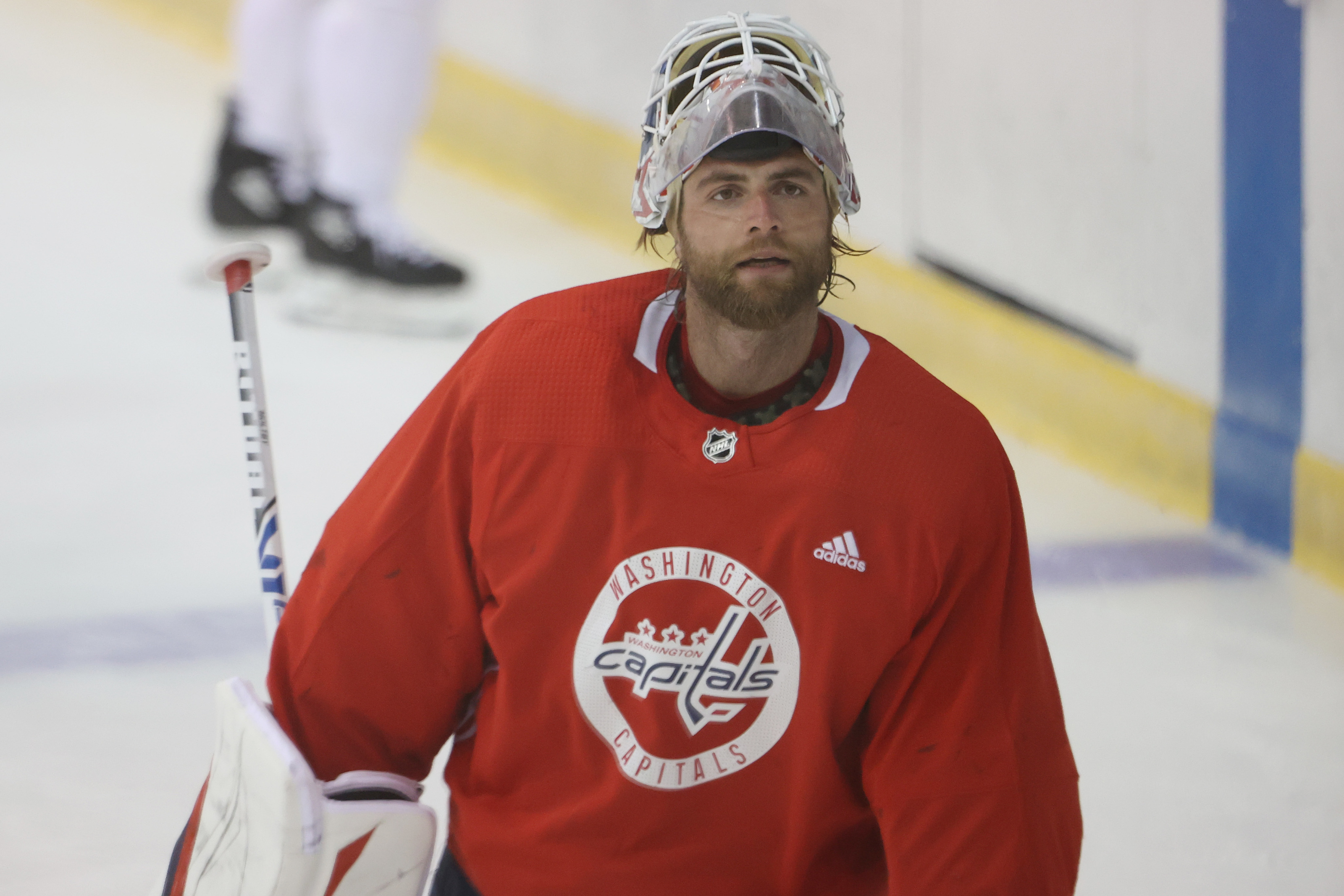 Nhl Free Agency 5 Teams Who Should Sign Braden Holtby